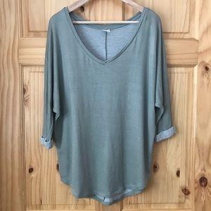 Tresics v-neck knit 3/4 sleeve tunic top size L